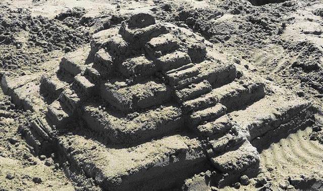 chichen itza dans sable